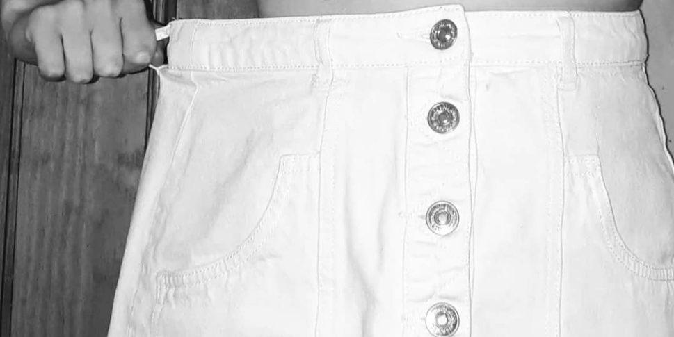 """""""La falda blanca"""" nos hace testigos de la ansiedad que provoca la obsesión por las tallas cuando se padece TCA."""